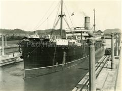 RIMUTAKA in the Miraflores Locks