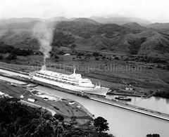 CANBERRA in the Panama Canal