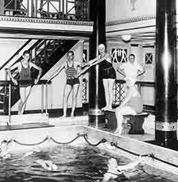 P&O's first indoor swimming pool on board VICEROY OF INDIA