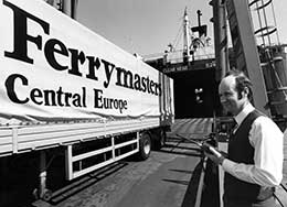 P&O Ferrymasters lorry being loaded onto NORSKY