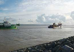 Dredging the navigational approach channels for London Gateway
